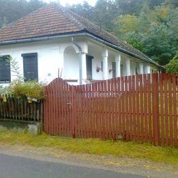 Na predaj rodinný dom v obci TELKIBÁNYA ( Maďarsko )
