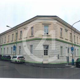 CENTURY 21 Realitné Centrum Vám ponúka na predaj nebytový priestor v Rezidencii BAŠTOVÁ. Rezidencia je situovaná v severozápadnej časti historického ...