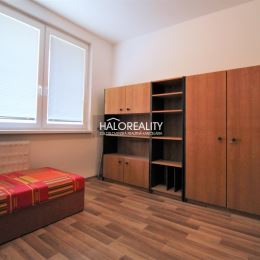 Ponúkame na predaj priestranný 3,5 izbový byt v Nitre, sídlisko Klokočina. Byt o rozlohe 75 m² sa nachádza na 3/7 poschodového bytového domu s ...