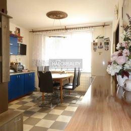 Ponúkame na predaj veľký 2-izbový byt prerobený na 3-izbový v osobnom vlastníctve, neďaleko centra mesta Šaľa, na ulici Jazerná o rozlohe 64m², ktorý ...