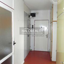 Ponúkame na predaj 3-izbový byt v osobnom vlastníctve v Šali na Okružnej ulici o rozlohe 73 m², ktorý sa nachádza na 2/3 poschodí.Dispozične byt ...