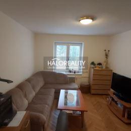 Ponúkame na predaj dvojizbový byt 60m², v OV, v Liptovskom Hrádku, ulica Komenského, orientácia východ/západ. Byt sa nachádza v bytovom dome na ...