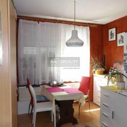 Ponúkame na predaj 1-izbový byt v osobnom vlastníctve v blízkosti centra mesta Šaľa, na ulici Jazerná o rozlohe 39 m², ktorý sa nachádza na 1/7 ...