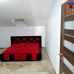 Na predaj krásny novovybudovaný byt o celkovej výmere 97m2 na 3/3 poschodí v novostavbe bytového domu v centre mesta Púchov. Dispozícia: vstupná ...