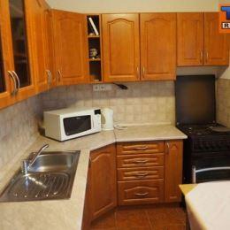 TUreality Vám ponúkajú na predaj útulný 1-izbový, na komplet prerobený byt v tehlovej bytovke vo výbornej tichej lokalite v centre mesta na ...