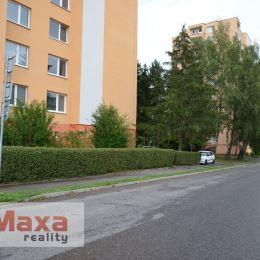 Ponúkame Vám na predaj 3 izbový byt v Žiari nad Hronom, sídlisko Etapa, s celkovou plochou 77 m2. Byt prešiel čiastočnou rekonštrukciou: vymenené ...