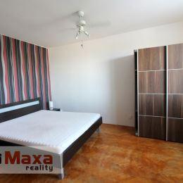 Ponúkame na predaj slnečný 1-izbový byt v zateplenom panelovom bytovom dome vo vyhľadávanej mestskej časti Sever. Byt o rozlohe 34m2 sa nachádza na ...