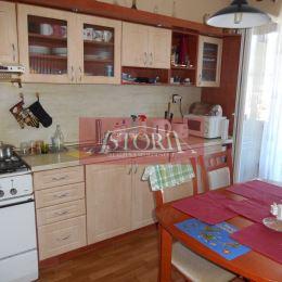 Ponúkame Vám na predaj 3- izbový byt v Martine – Priekope, nachádza sa na 7. zo 7 poschodí zatepleného bytového domu s výťahom. Byt s rozlohou 70m2 ...
