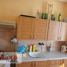 Len u nás, ponúkame na predaj jednoizbový byt v centre mesta Žiar nad Hronom. Nachádza sa v zateplenom bytovom dome, na 3. poschodí bez výťahu. Byt s ...