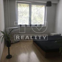 Na predaj slnečný 3-izbový byt s balkónom vo vyhľadávanej lokalite na Potravinárskej ulici v Nitre-Čermáň, o ploche 84m2, na 1.poschodí. Byt sa ...