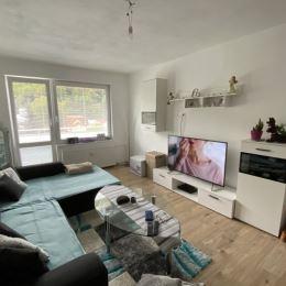 Ponúkame na prenájom kompletne zariadený 2 - izbový byt v centre mesta Dolný Kubín, na ulici Matúškova. Bytový dom sa nachádza cca 300 m od námestia ...