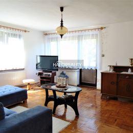 Ponúkame Vám na predaj dvojpodlažný rodinný dom postavený v roku 1985 na pozemku s celkovou plochou 471 m² s S/V orientáciou v Banskej Štiavnici ...