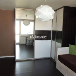 Ponúkame na predaj výnimočný a vkusne zrekonštruovaný 2-izbový byt v širšom centre mesta Senec. Rekonštrukcia navrhnutá bytovým architektom bola ...