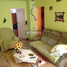 Ponúkame na predaj trojizbový byt s loggiou v Prešove na Plzenskej ulici. Byt je v osobnom vlastníctve, nachádza sa na druhom podlaží z troch o s ...