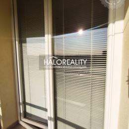Ponúkame na predaj dvojizbový kompletne zrekonštruovaný byt s loggiou v Spišskej Novej Vsi na sídlisku Tarča. Nachádza na 7/7 poschodí, 53,5m², v ...