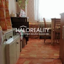 Ponúkame Vám na predaj 3 – izbový byt s rozlohou 77 m² v meste Nové Zámky. Byt s balkónom sa nachádza na 1.posch./6 v zateplenom bytovom dome s novým ...