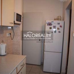 Ponúkame Vám na predaj jednoizbový byt (prerobený na dvojizbový) s balkónom v centre mesta Šaľa na ul. Pázmaňa. Byt má rozlohu 51 m² a nachádza na ...