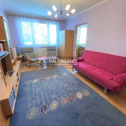 Ponúkame na predaj čiastočne zrekonštruovaný trojizbový byt 75m² v Rimavskej Sobote. Byt je v osobnom vlastníctve. Byt sa nachádza na 4 z 5 poschodí. ...