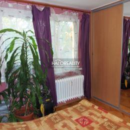 Ponúkame na predaj pekný 3-izbový byt na Svätoplukovej ul. v Senci. Byt má výmeru 63,5m², plus 2m² loggia. Nachádza sa na 1/4 poschodí v bytovom dome ...