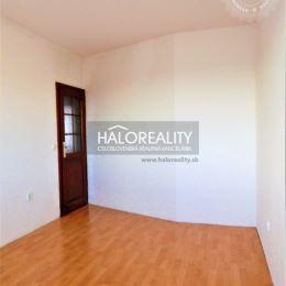 Ponúkame na Vám na predaj jedinečný trojizbový byt v osobnom vlastníctve so zmenenou dispozíciou na sídlisku Drieňová v Banskej Štiavnici. Byt s ...