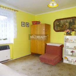 Ponúkame na predaj priestranný a slnečný trojizbový byt bez balkóna v OV v centre mesta Spišská Nová Ves. Byt, 74,25 m² vrátane príslušenstva (plocha ...