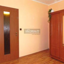 Ponúkame na predaj čiastočne zrekonštruovaný, 3-izbový byt v osobnom vlastníctve v mesta Šaľa, mestská časť Veča (ulica Hollého). Byt o rozlohe 65m² ...