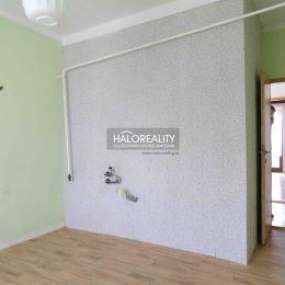 Ponúkame na predaj veľký 1-izbový byt s balkónom v osobnom vlastníctve, na ul. P. Pazmáňa, blízkosti centra mesta Šaľa, o rozlohe 48 m², ktorý sa ...