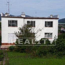 Rodinný dom nachádzajúci sa v tichej časti mesta Považská Bystrica, v časti Hliníky na slnečnom pozemku o celkovej výmere 698 m2. Samostatne stojací, ...