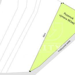 Na predaj rekreačný pozemok v obci Dlhé Pole. Pozemok je rovinatý, ku koncu mierne svahovitý o celkovej výmere 983m². K pozemku je prístup po obecnej ...