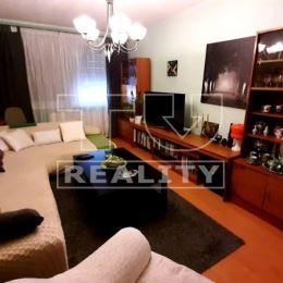 Na predaj krásny, čistý udržiavaný 4 izbový byt vo vyhľadávanej lokalite s presklenou loggiou v Leviciach. Byt má 82m2 a prešiel úplnou ...