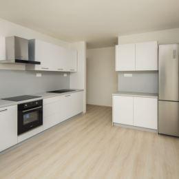 Realitná kancelária OREA Vám exkluzívne ponúka na predaj 3-izbový byt o výmere 72 m2 v novovzniknutom polyfunkčnom dome GERDIG na Brezovci v Dolnom ...