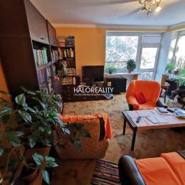 Ponúkame Vám na predaj trojizbový byt s balkónom v užšom centre Prešova. Byt je v osobnom vlastníctve, nachádza sa na druhom podlaží z dvoch a výmeru ...