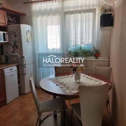 Ponúkame Vám na predaj veľký trojizbový byt v Galante, na ul. Mierová. Byt sa nachádza v zateplenom bytovom dome na 7/7 poschodí. Má výmeru 79,9 m² s ...