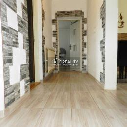 Ponúkame na predaj, čiastočne zrekonštruovaný rodinný dom v obci Veľké Kršteňany. Dom sa nachádza na slnečnom rovinatom pozemku o ploche 405 m² ...
