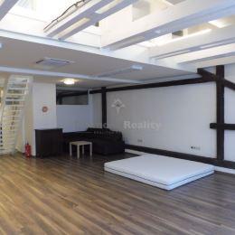 Ponúkame na prenájom veľmi pekný priestor - podkrovný mezonet v meštianskom dome na Kováčskej ulici v historickom centre mesta o výmere 168 ...