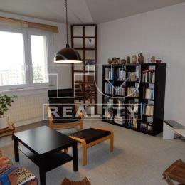 Na predaj 2 izbový byt 45m2 v Nitre na Klokočine. Byt sa nachádza na 7 poschodí z 8 poschodového bytového domu. Byt je po čiastočnej rekonštrukcií: ...