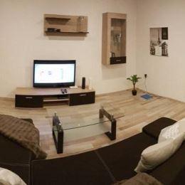Tureality Vám exkluzívne ponúka na predaj priestranný 2 izbový byt po kompletnej rekonštrukcii v Martine časť Priekopa na 6. Poschodí z 9. Byt sa ...