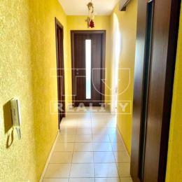 Na predaj 3 izbový byt o výmere 74 m2 v Galante pri parku s Neogotickým kaštieľom. Byt sa nachádza na 7/9 poschodí. Byt sa nachádza v dobrej ...