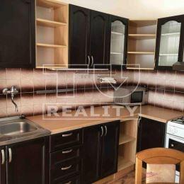 Na predaj slnečný 3-izbový byt v Partizánskom na ul. Horskej o ploche 76m2 na 1/7, poschodového bytového domu. Nachádza sa v zateplenom bytovom dome, ...
