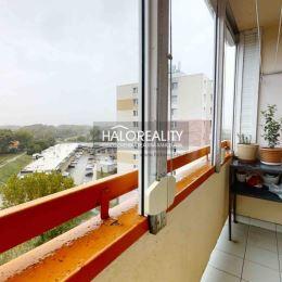 Ponúkame na predaj zrekonštruovaný, 3-izbový byt v osobnom vlastníctve v mestkej časti Šaľa- Veča na ulici Fraňa Kráľa. Byt o rozlohe 71m² sa ...