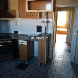 Ponúkame na predaj dvojizbový byt v centre mesta Žiar nad Hronom. Byt sa nachádza v tehlovom bytovom dome s nedávno realizovanou rekonštrukciou a ...