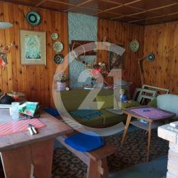 Katarína Hirjaková a CENTURY 21 Realitné Centrum Vám ponúkajú na predaj záhradnú chatu v peknej lokalite na začiatku sídliska KVP v blízkosti ...