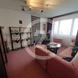 Ponúkam na predaj 2i byt v pôvodnom stave na ulici Benadova. Byt má vymenené plastové okná, výmera je 51m2, je na 8.p/8., orientácia J. Bytový dom je ...