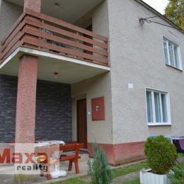 Ponúkame Vám na predaj rodinný dom v obci Vyhne, ktorá leží v chránenej oblasti Štiavnických vrchov. V skutočnosti sa jedná o dva domy, jeden menší, ...