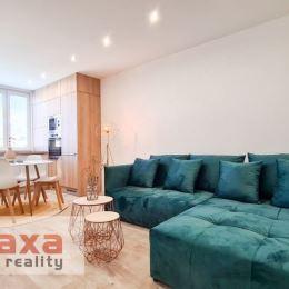 Ponúkame Vám na predaj trojizbový byt na sídlisku Zapotôčky v Prievidzi. Byt sa nachádza na siedmom podlaží zo siedmich, v panelovom zateplenom ...