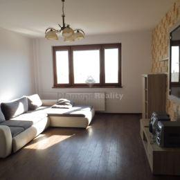 Ponúkame na predaj pekný 4-izbový byt s loggiou na Janigovej ulici v mestskej časti Košice - Sídlisko KVP. Byt má úžitkovú výmeru 81 m2, nachádza sa ...