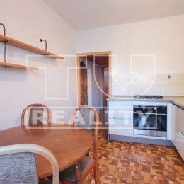 TUreality Vám ponúka na predaj priestranný, slnečný 4 izb. byt o rozlohe 82,97m2, v mestskej časti Sásová. Byt sa nachádza na 2. poschodí z 8-ich v ...