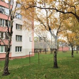 Ponúkame Vám na predaj výborný 3,5 izbový byt v lokalite BA III Nové Mesto, Račianska, výmera 70 m2 + loggia 2,70 m2 + logia 8 m2, 7.posch/11, ...