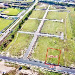 Ponúkame Vám na predaj exkluzívny stavebný pozemok, ktorý je svojím umiestnením a rozlohou vhodný aj pre náročného klienta.Pozemok sa nachádza v ...
