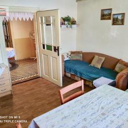 Ponúkame na predaj 3 izbový rodinný dom situovaný v tichej lokalite mimo hlavnej cesty v obci Šúrovce. Ide o jednopodlažný rodinný dom so sedlovou ...